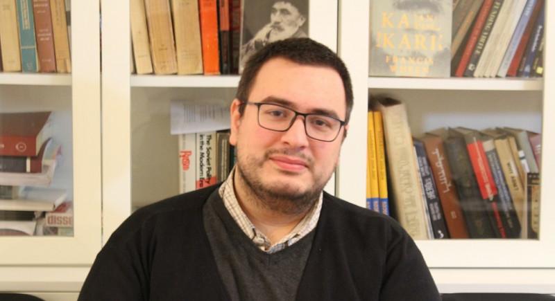 Photo of კოლაუ ნადირაძის ლექსი არ გამაგონოთ!!!.. ჩვენ ვიბრძოდით, მაგრამ ბედისწერამ გადარჩენის შანსი მაინც არ დაგვიტოვა – ლევან ლორთქიფანიძე