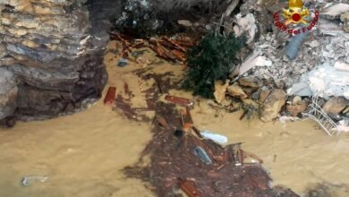 Photo of იტალიაში კლდის ჩამოშლის შედეგად, 200-მდე მიცვალებული ზღვაში აღმოჩნდა